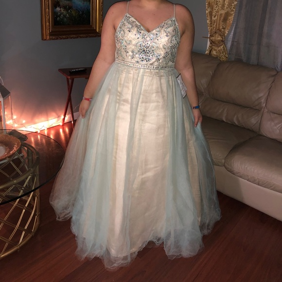 b45393c069 TLC say yes to the prom dress Dress